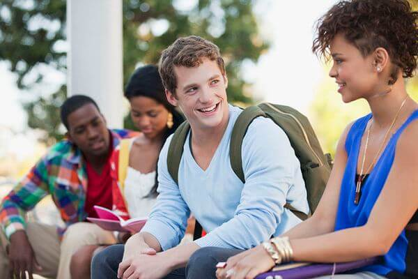 5 Simple Ways to Make Friends in College